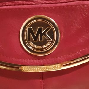 Michael Kors deep fuschia Springtime purse